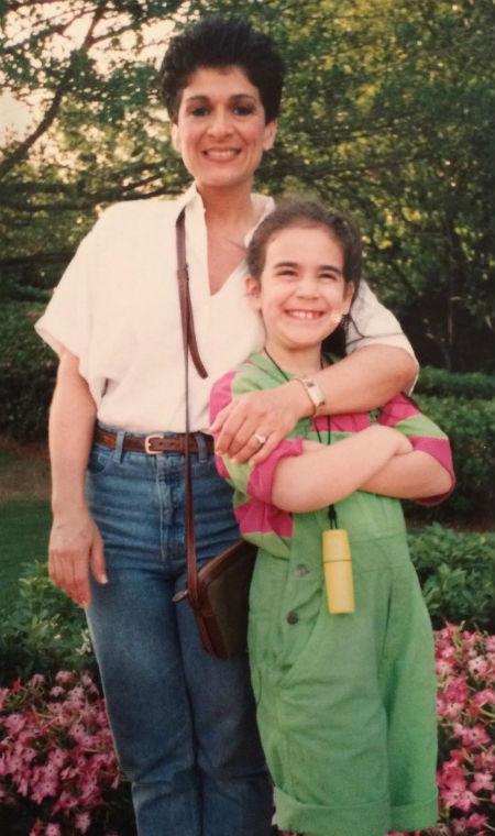 Abbi Jacobson childhood (with mom)