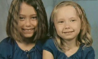 Alaina Marie Mathers childhood photo with sister Hailie Jade Scott Mathers