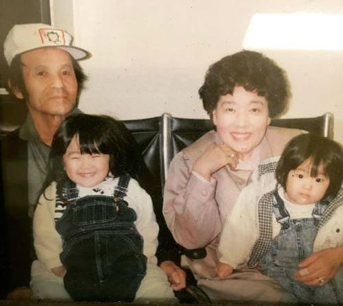 Amy Okuda Childhood: Sister Lisa Okuda(Right), Mother