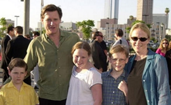 Bill Pullman Family: wife Tamara Hurwitz & Children