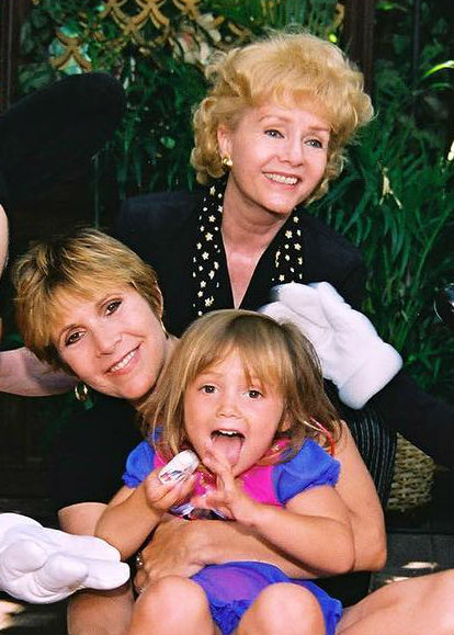 Billie Lourd Childhood: With Mother Carrie Fisher & Grandmother Debbie Reynolds