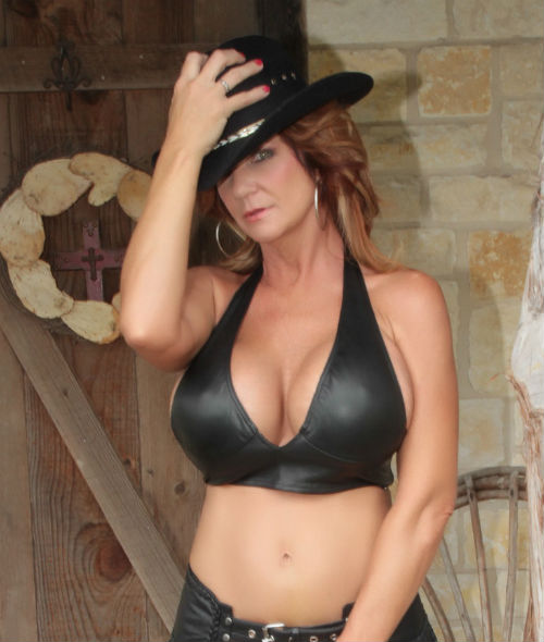 Deauxma Age Height Wiki Measurements Movies Husband