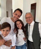 Emme Muniz & Max Muniz with father Marc Anthony and grandpa Felipe Muniz