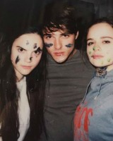 Jacob Elordi with sisters