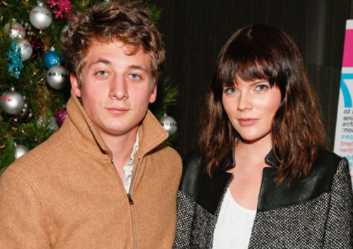 Jeremy Allen White with Emma Greenwell