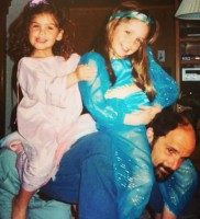 Jessica Rothe with Father Steve Rothenberg & sister Caty Rothenberg