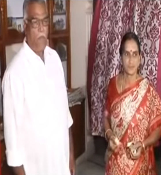 Jyothi Surekha Vennam's parents: Vennam Surendran Kumar(father) & sri Durga(Mother)