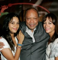 Kidada Jones with father and sister