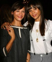 Kidada Jones with sister Rashida Jones