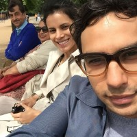 Kunal Nayyar Family: Rakesh Nayyar(Dad), Heita Nayyar(Mother), Neha Kapur(Wife)