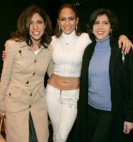 Mom Jennifer Lopez with aunts- Leslie Lopez & Lynda Lopez