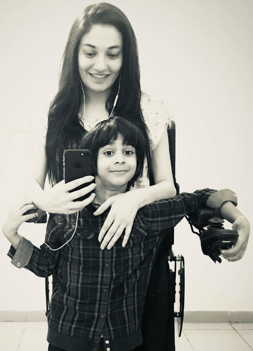 Muniba Mazari with her son