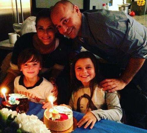 Noah Schnapp family: Mom Karine, Dad Mitchell, Sister Chloe