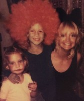 Oliver Hudson & Kate Hudson with Mom Goldie Hawn