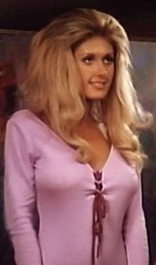 Robyn Hilton  nackt
