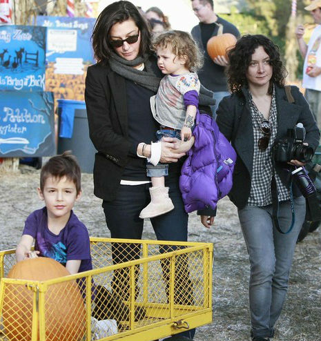 Sara Gilbert & Allison Adler Family: Levi Hank(Son), Sawyer Jane(Daugher)