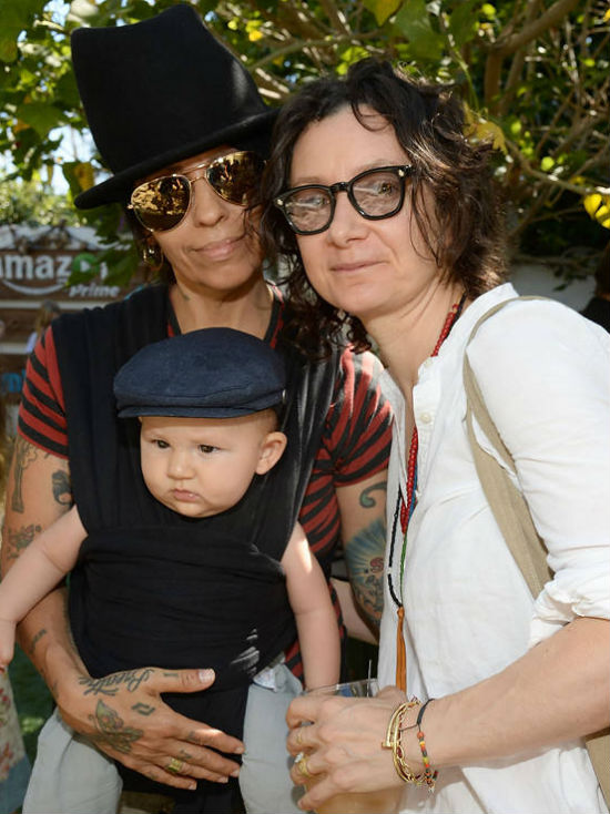 Sara Gilbert & Linda Perry Family: Rhodes Emilio Gilbert Perry(Son)