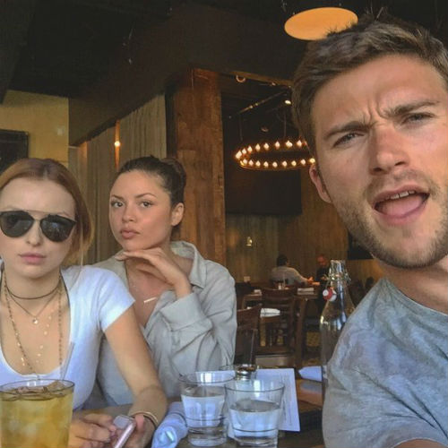 Scott Eastwood with sisters- Francesca Eastwood(Left), Morgan Eastwood(Behind/middle)