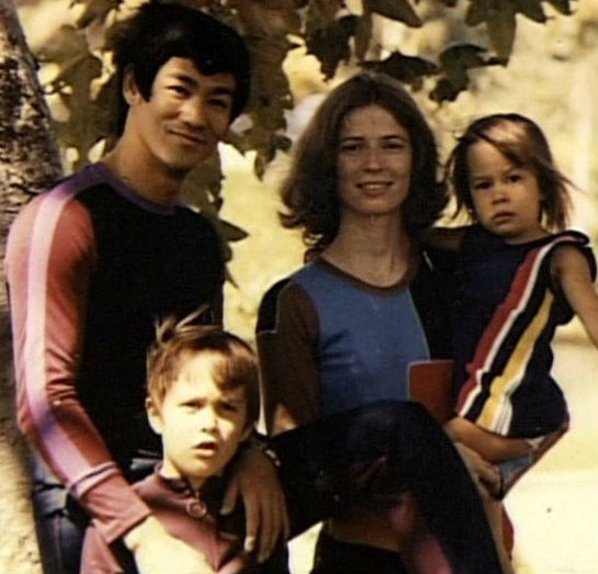 Shannon Lee Family: father Bruce Lee, brother Brandon, mother Linda
