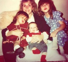 Shantel VanSanten childhood- mother & siblings