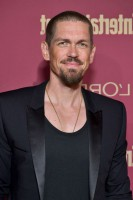 Steve Howey beard