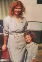 Young Nancy Wiesenfeld with daughter Sara
