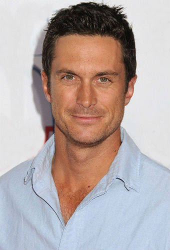 Oliver Hudson Age Height Wife Kids Sister Mom Family